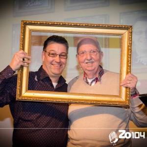 Frans Verheijen en NIco Baay in de Gilse Quiz op 20 december 2015. Frans neemt de prijs mee naar huis.