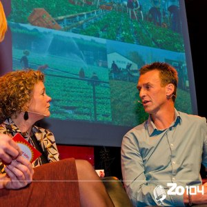 Lokaal talent Peter van der Avoird (Trayplant) op de bank op 18 oktober 2015.
