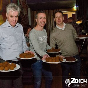 Bitterballen bij Zo104 talkshow